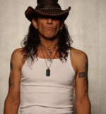 Stephen Pearcy-347x375